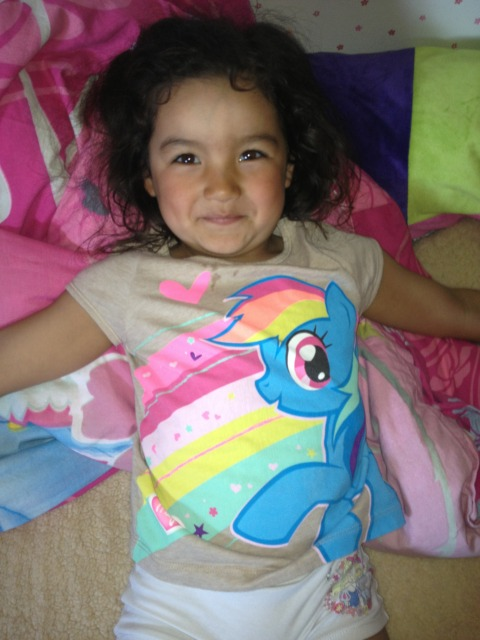 My Little Pony: FiM crazy 4 year old ;)